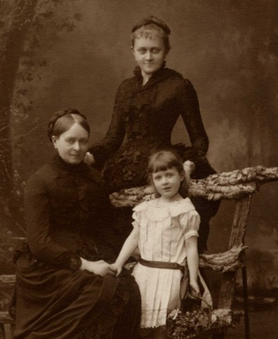 Marie-Prouvost-Benat,sa-mere,-sa-fille-Jeanne-Toulemonde