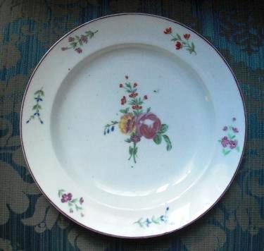 Assiette porcelaine dure de Lille au Dauphin Couronnee collection Prouvost