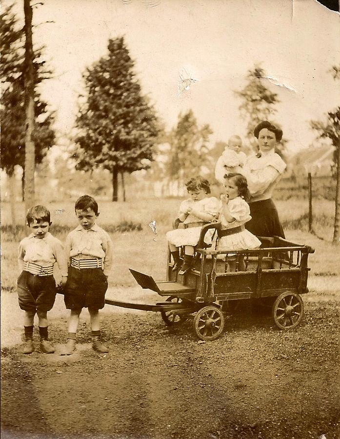 Eugenie-Prouvost-Masurel-ses-cinq-enfants