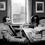 Jean d'Ormesson dans <br/>son bureau au Figaro, <br/>à l'époque du Rond-Point des Champs-Élysées.<br/>
