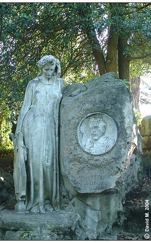 Monument-amedee-Prouvost-parc-Barbieux-Roubaix