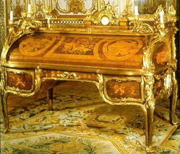 Bureau Roi Riesener Versailles