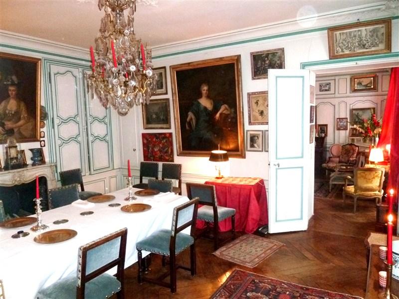 Salons-Rue-de-Bourgogne-Pour-vous-les-princes