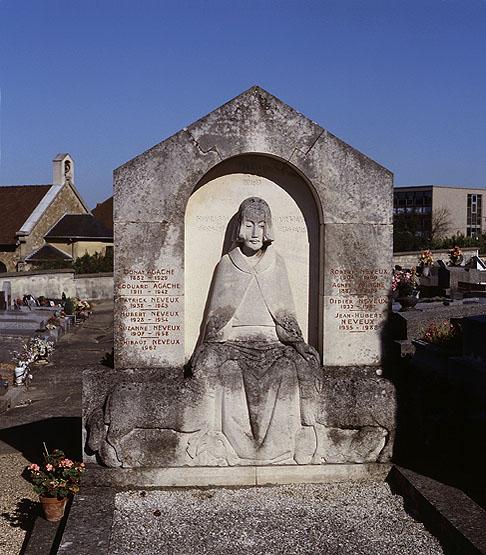 Tombe-Donat-Agache-Poissy