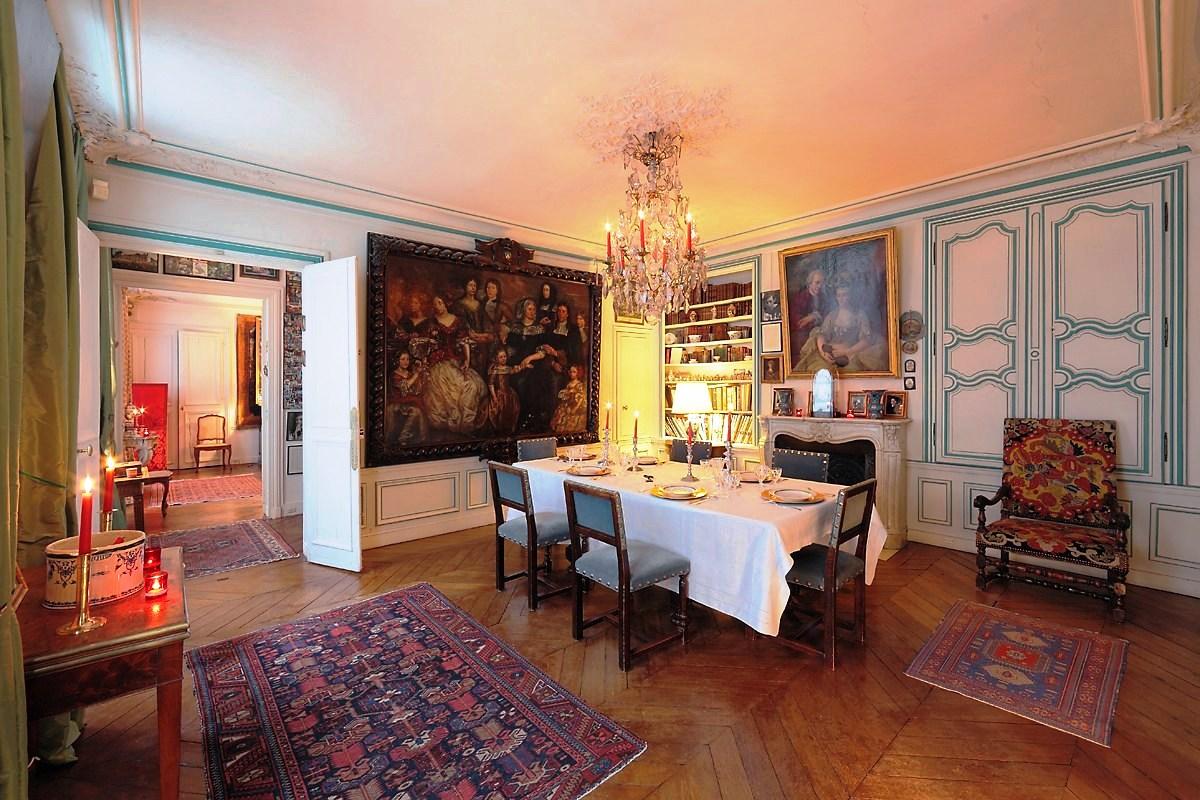Salons-Rue-Bourgogne-Pour-vous-les-princes